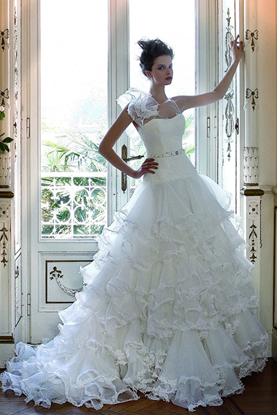 Marche degli abiti da sposa